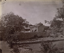 General view of temples and houses, Chittaurgarh [Chitorgarh].